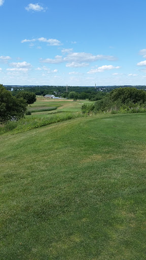 Golf Course «Meadow Golf Course-Peabody», reviews and photos, 80 Granite St, Peabody, MA 01960, USA