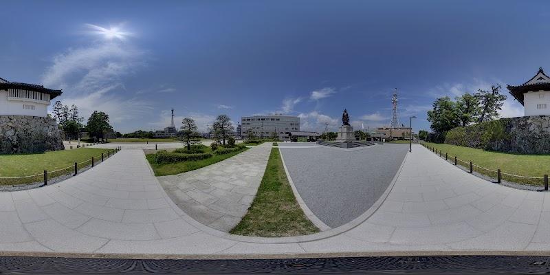 鍋島直正公銅像