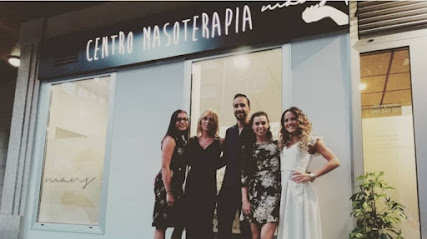 imagen de masajista Centro de Masoterapia Mans