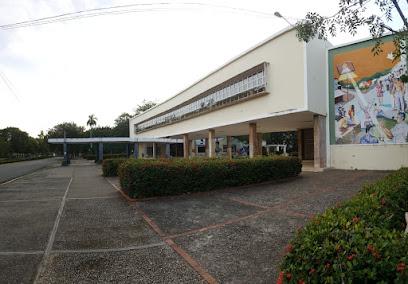 Escuela De Medicina (UASD)