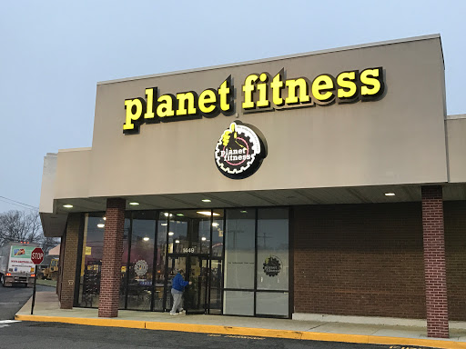 Gym Planet Fitness Reviews And Photos 1449 Rock Spring Rd Bel Air Md 21014