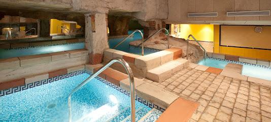 imagen de masajista Senzia Cádiz Masaje y Spa & Wellness