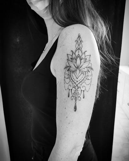 ALICE MASIA Dreams Tattoo Studio
