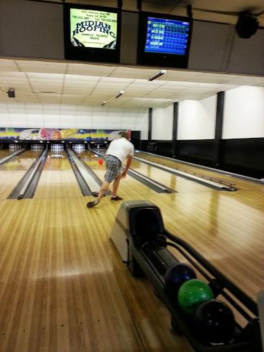 Floyd Bowling & Amusement Center