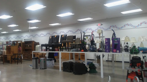 The Salvation Army Family Store & Donation Center, 1907 Suburban Ave, St Paul, MN 55119, Thrift Store
