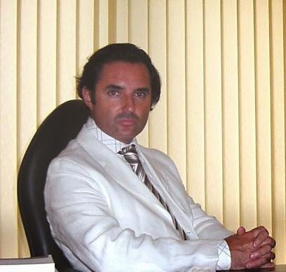 CLÍNICA DE CIRUGÍA ESTÉTICA DR. VILA MORIENTE en Pontevedra