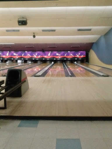Bowling Alley «AMF Town & Country Lanes», reviews and photos, 405 Boston Turnpike, Shrewsbury, MA 01545, USA