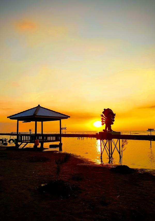 Wisata Pantai Pulau Cemara Sawojajar