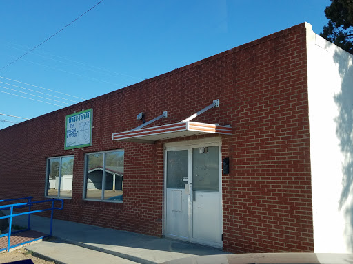 Mustang Dry Cleaners in Denver City, Texas