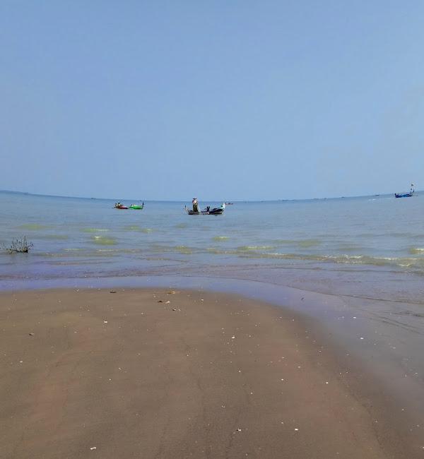 Pantai Onggojoyo