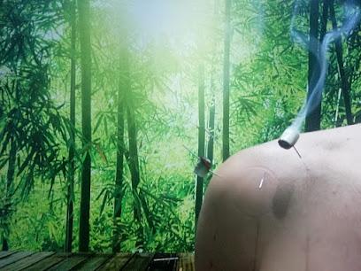 imagen de masajista Centro Bambú Elda