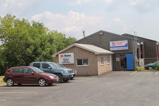 Magasin de pneus John's Auto Service à Kingston (ON) | AutoDir