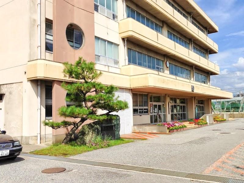 金沢市立新神田小学校