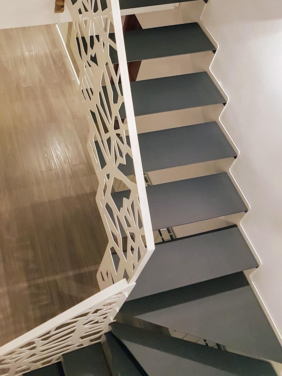scara metalica interioara balustrada otel