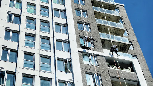 Gutter Cleaning Service Highline Building Services in Gloucester (ON)   LiveWay