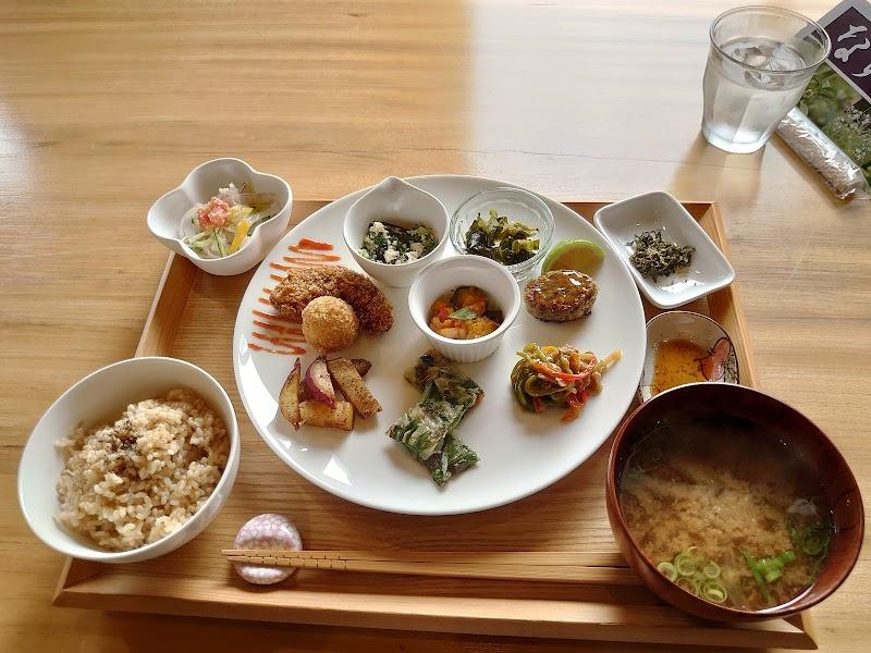 ランチ&カフェ「野菜ごはん」