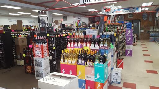 Liquor Store «Liquor Barn», reviews and photos, 133 Main St #4, Spencer, MA 01562, USA