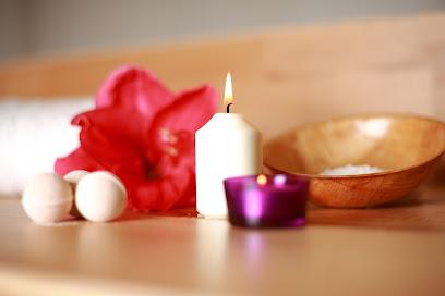 imagen de masajista Belterapies Massatge a Figueres