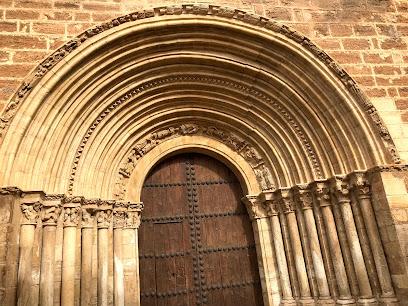 Portada de Santiago - Iglesia de El Salvador