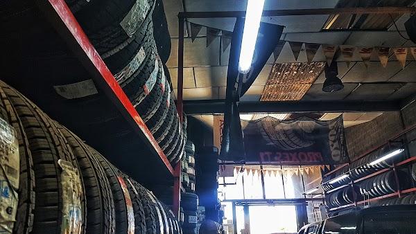Neumáticos Marín