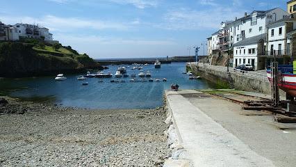 Tapia De Casariego Harbor
