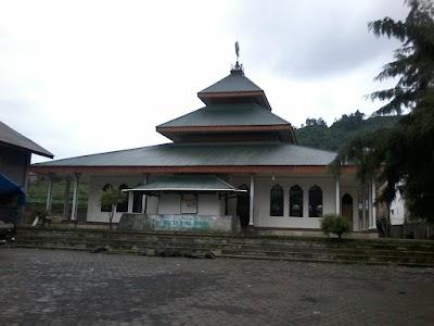 Masjid Yamp Desa Tieng Jawa Tengah
