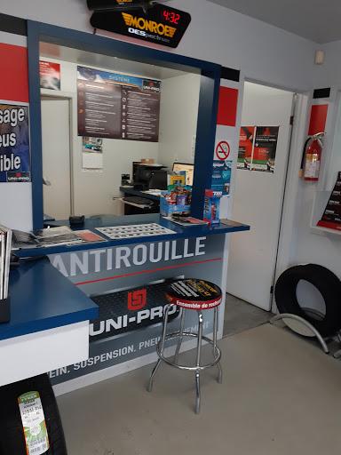 Magasin de pneus Garage Léon Rivest Inc. à Saint-Thomas (Quebec) | AutoDir