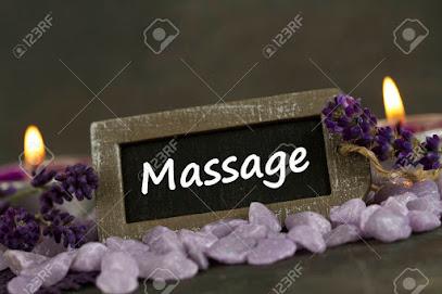 imagen de masajista Masajes Relajantes AELLA Salud y Bienestar. Exclusivo para hombres
