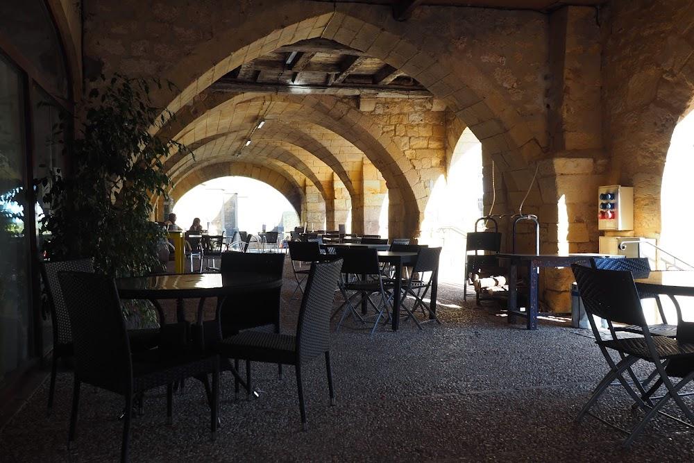 photo du resaurant Cafe Les Arcades