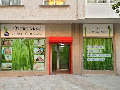 imagen de masajista Centro Moxa