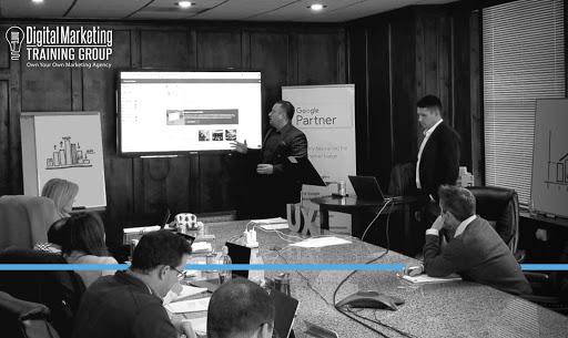 Digital Marketing Training Group-img