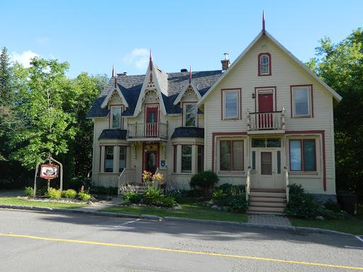 Bed & Breakfast Gite la Bonne Adresse à Saint-Faustin-Lac-Carré (QC) | CanaGuide