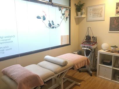 imagen de masajista el jardin de las terapias