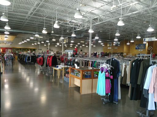 Goodwill, 4805 N 72nd St, Omaha, NE 68134, Thrift Store