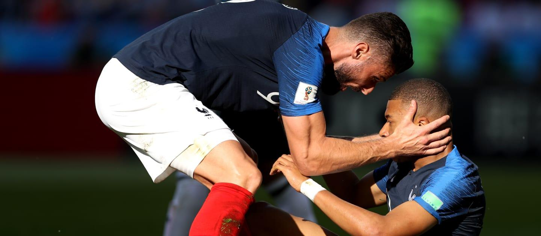 C:\Users\Carla\Desktop\Copa do Mundo 2018 - RUSSIA\França\Semifinal França x Belgica\Giroud e Mbappé  Foto Getty Imagas.jpg