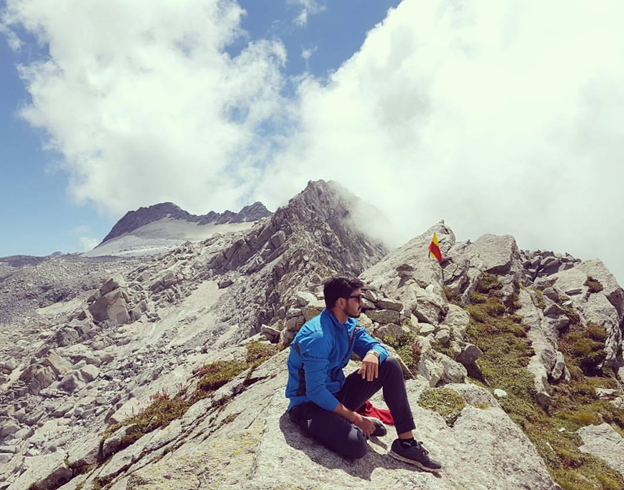 Summit of Indrahar Pass