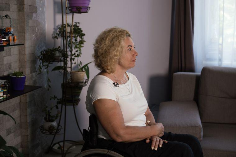 Елена Акопян, травма спины в результате ножевого ранения