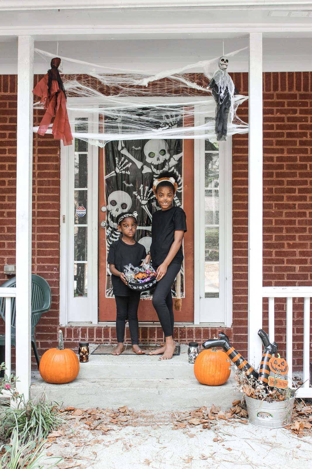 On a scale of 1-10, how ready for Halloween are you? Check out how I got everything together for a Halloween party without breaking the bank with decor from Dollar General.