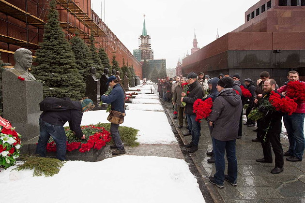 01_stalin_death_anniversary_in_moscow.jpg