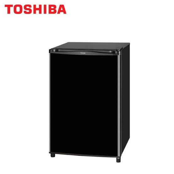 4. TOSHIBA ตู้เย็นมินิ 1 ประตู รุ่น A906ZQNW