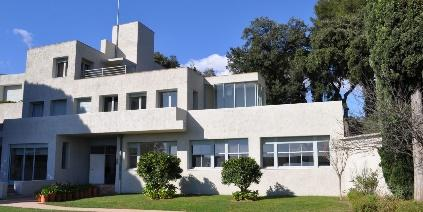 Une image contenant extérieur, bâtiment, arbre, maison  Description générée automatiquement