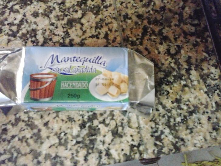 Esta mantequilla es la que hemos elegido para poner encima de los rollitos, si preferís usar aceite de oliva, también va bien.