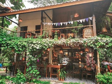 4. บ้านต้นเต๊า coffee & food ณ บ้านบัว