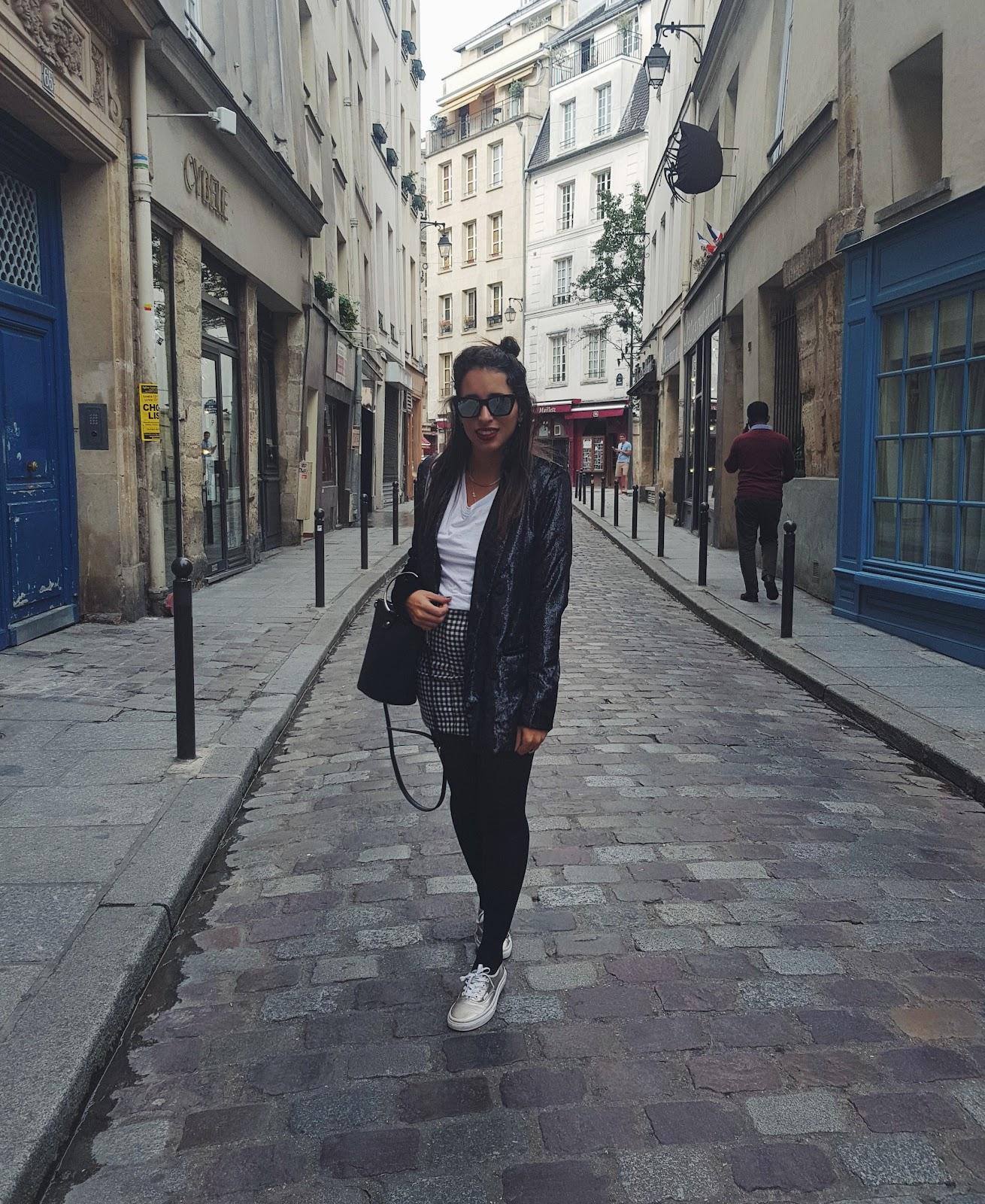 סטייל כיף שופינג ואוכל טוב בפריז