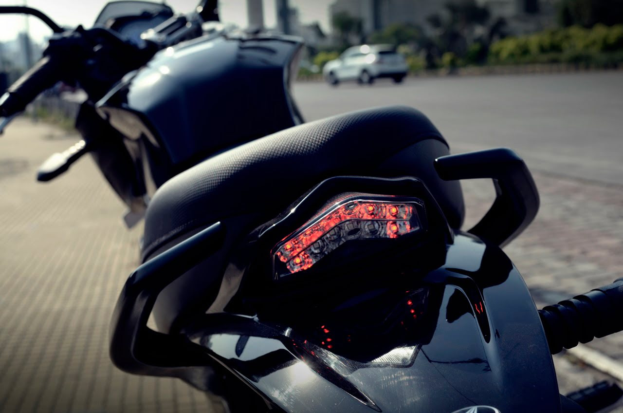 Mahindra Mojo Tourer Edition Price Rs 1 89 Lakh Features Specifications