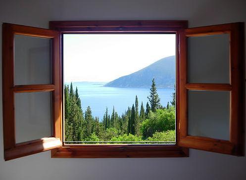 Окно как естественная рамка