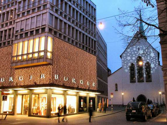 Christmas blows whiffs of dazzling wonderland onto Bahnhofstrasse