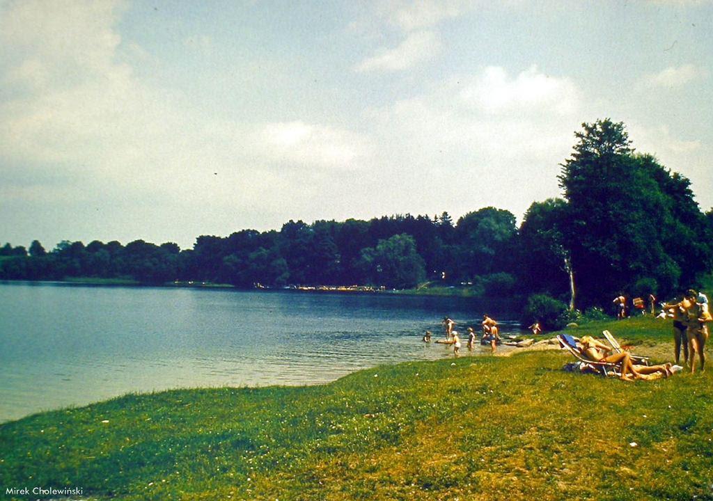 Kąpielisko w Cieszynie nad jeziorem Siecino.