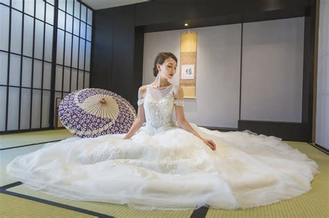 Stunning Modern Japanese Wedding Gowns in Singapore