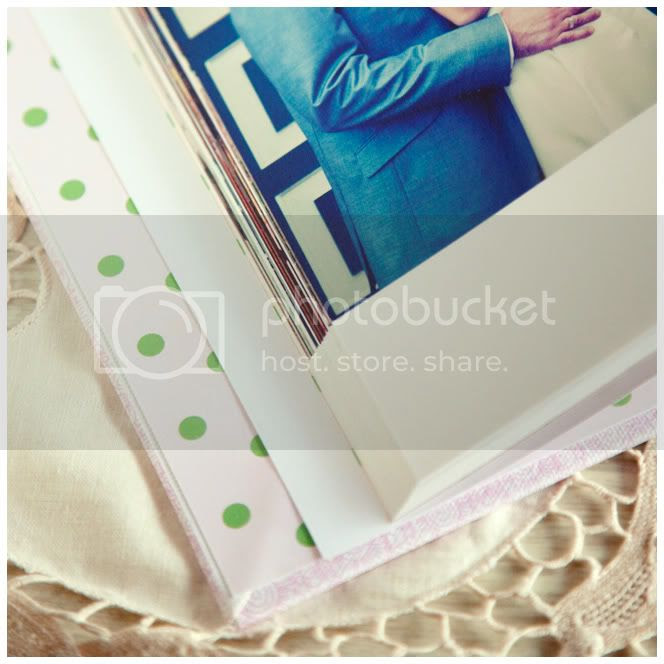 http://i892.photobucket.com/albums/ac125/lovemademedoit/vintage_books02.jpg?t=1286804768